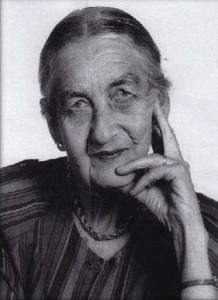 Dr Miriam Hyde OBE AO